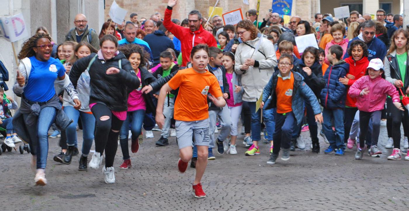 Marcia Istituto Crema Uno: il colore siete voi!